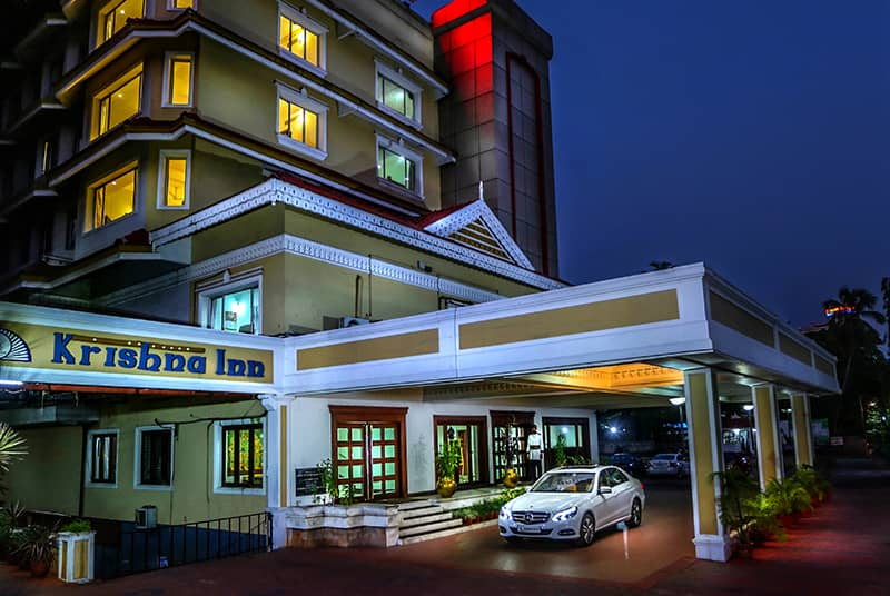 Best among luxury hotels in Guruvayur- Krishna Inn front view